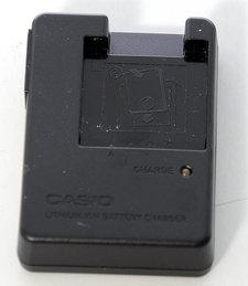 Casio batteriladdare BC-60L